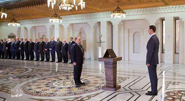 الرئيس الاسد :لوضع المعيشي للمواطنين السوريين يجب أن يكون من أولويات الحكومة