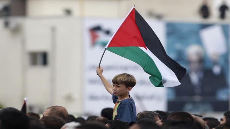 إلى القادة الفلسطينيين: لفرقتكم وسياستكم بات يتبجح العدو… آن أن تنصرفوا؟!  بقلم  د. محمد بكر