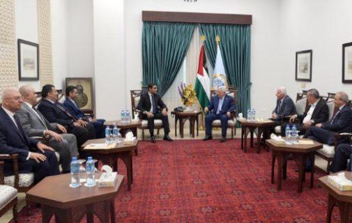 عباس يلتقي الوفد المصري ويطلعه على نتائج مباحثاته مع حماس في غزة بشأن القضية الفلسطينية