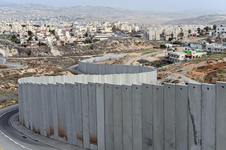 تقريرعداوة وكراهية وانعدام ثقة: دراسة جديدة تستكشف حل الصراع الفلسطيني-الصهيوني