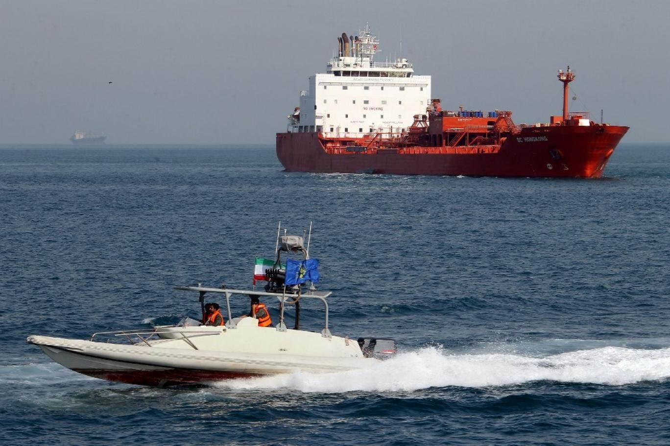 بين سفينة كليوباترا المصرية وسفينة حزب الله الإيرانية..