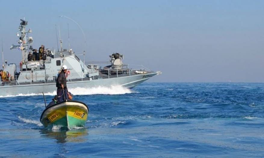 زوارق الاحتلال تطلق النار تجاه مراكب الصيادين شمال القطاع