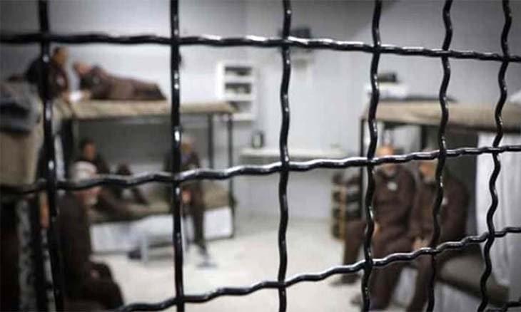 نادي الأسير: خمسة أسرى يقررون مقاطعة محاكم الاحتلال والامتناع عن الدواء