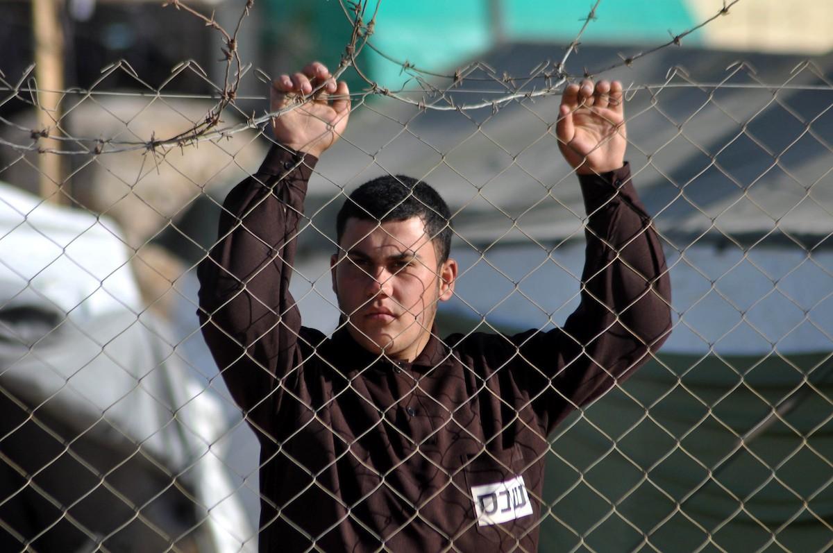 ستّة أسرى يواصلون معركة الاضراب في سجون الاحتلال