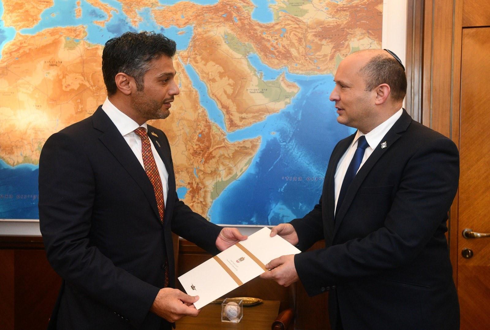 الخيانة مُستمرة.. بن زايد يدعو نفتالي بينيت رسميًا لزيارة الإمارات